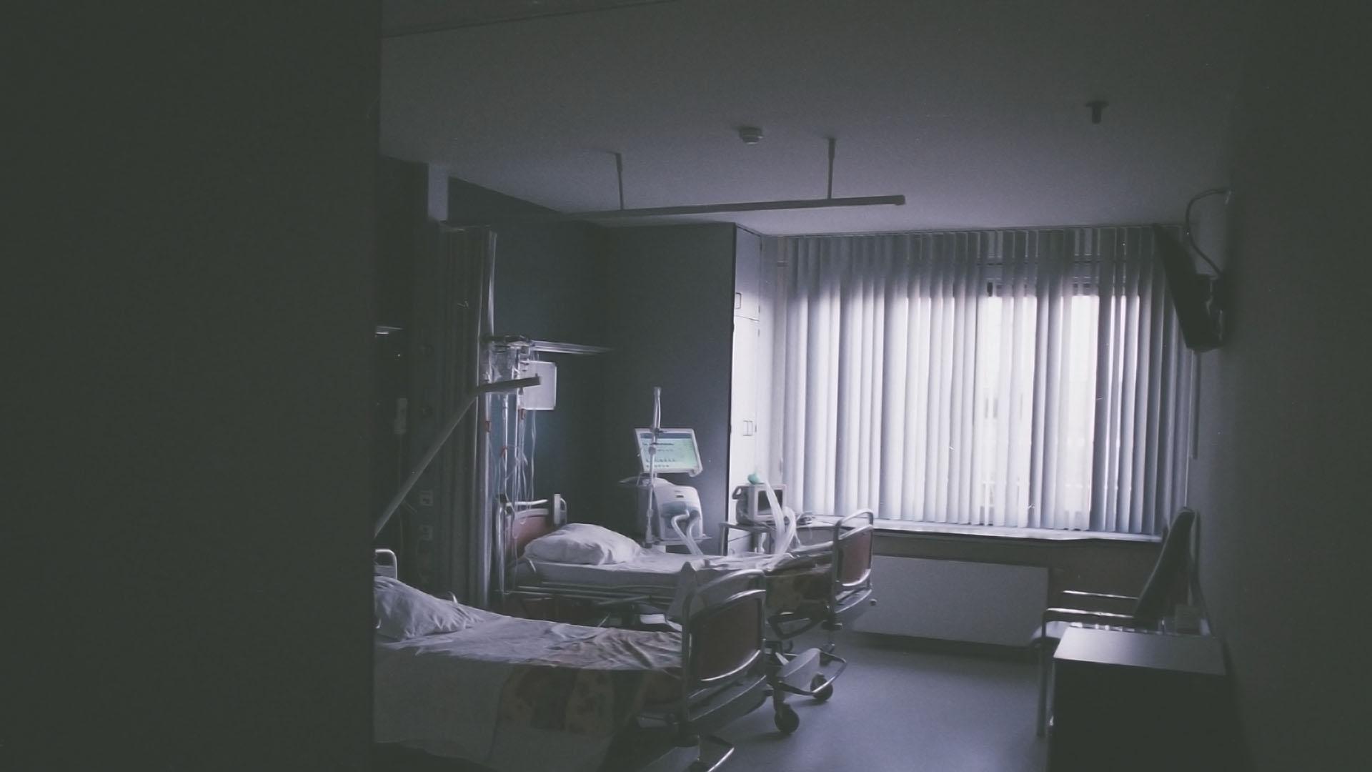 Zistili sme, že postele z Druckerovho tendra mohli byť predražené až o 7 miliónov eur!