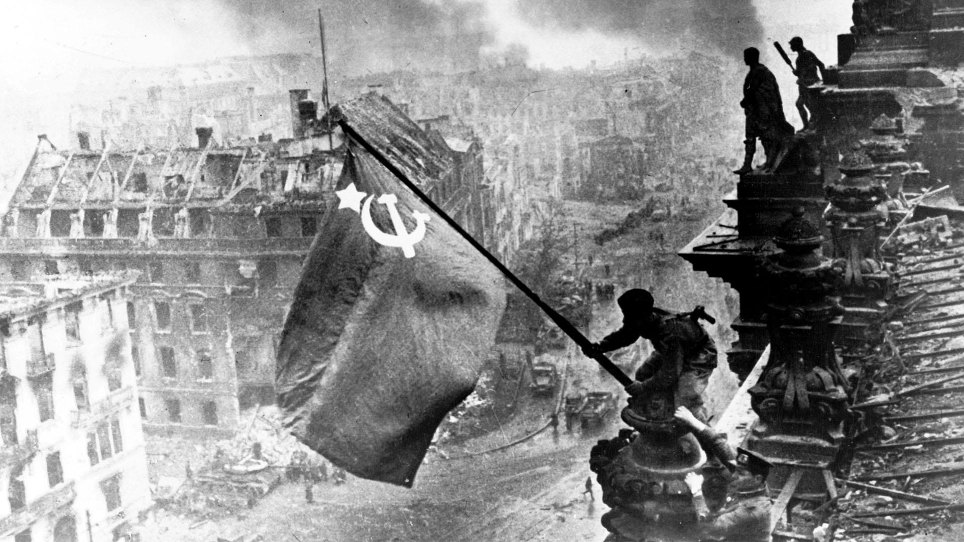 Národná koalícia: Keď si pripomenieme víťazstvo nad fašizmom, upozornime aj na šírenie neonacizmu